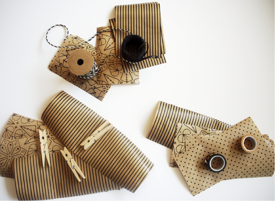 Adventskalender: Geschenkpapier ausschneiden