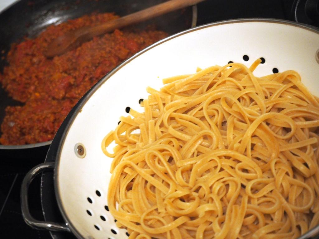 gesunde-fitness-spaghetti-nudeln-kochen