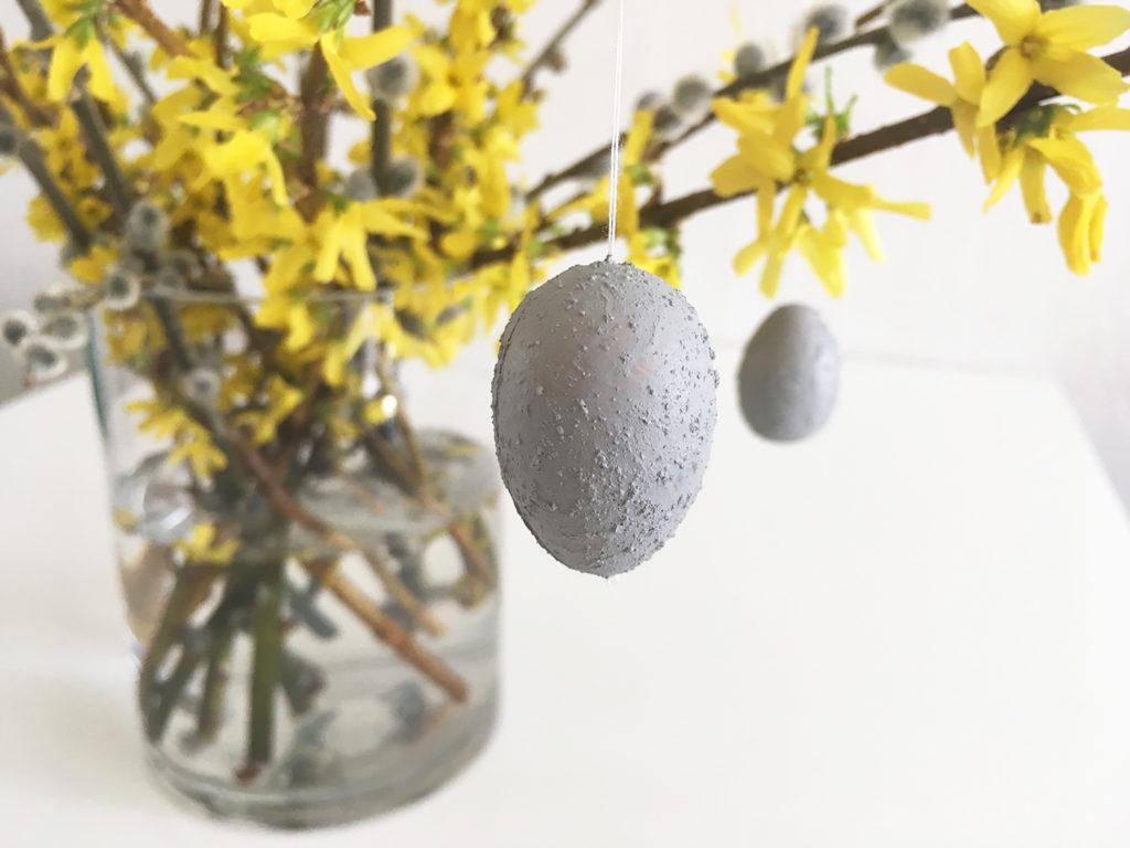 osterschmuck-diy-osterstrauch-beton-eier