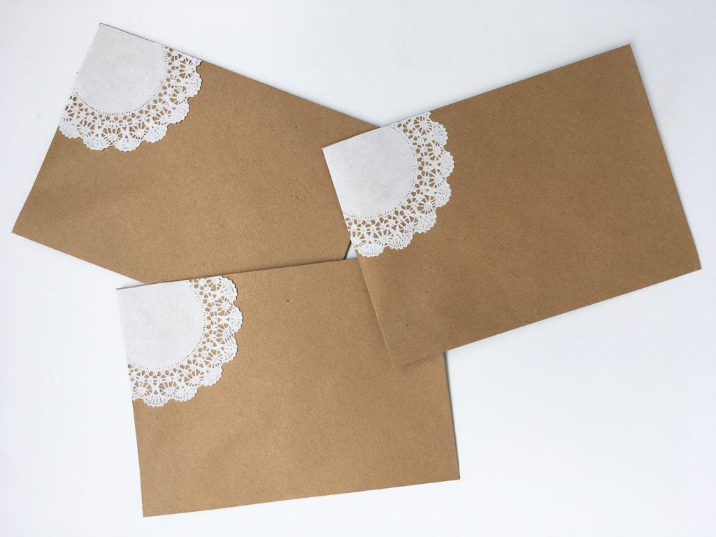 diy-hochzeitseinladungen-vintage-spitze-kuvert
