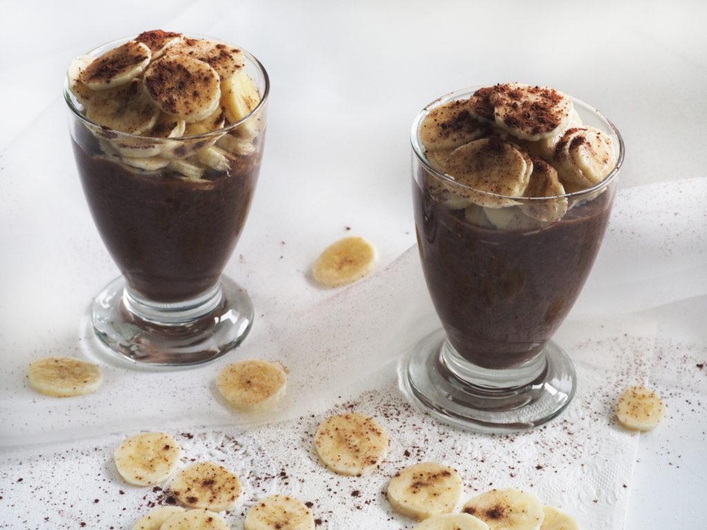 gesunder-fitness-schoko-chiasamen-bananen-pudding