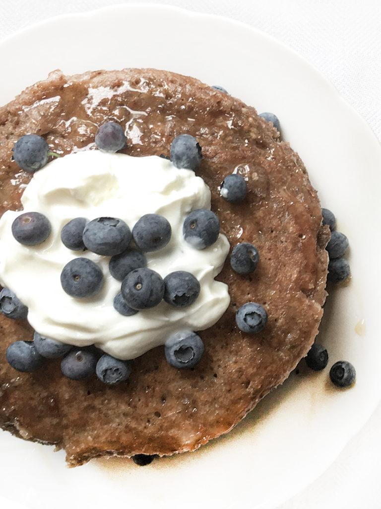 Gesunde Fitness Chiasamen-Bananen-Pancakes - vegan