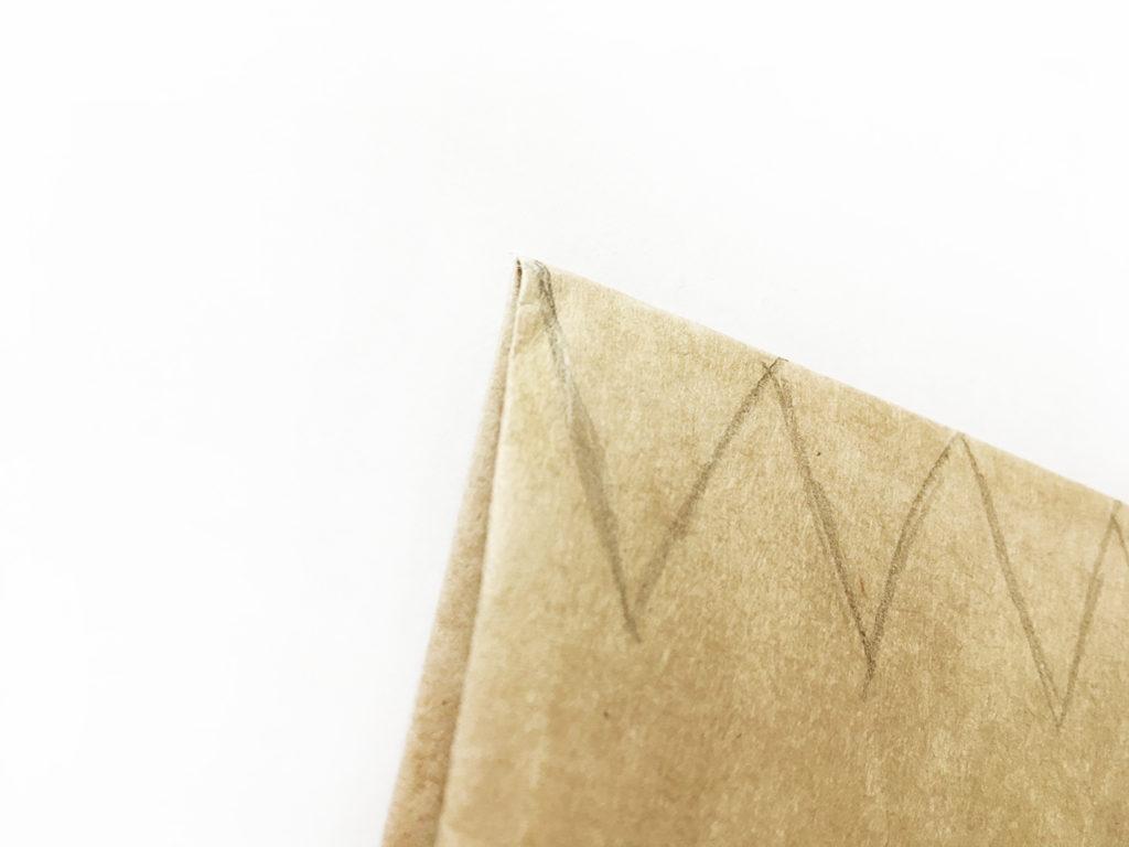 diy-wedding-cake-topper-vintage-dreiecke-aufzeichnen