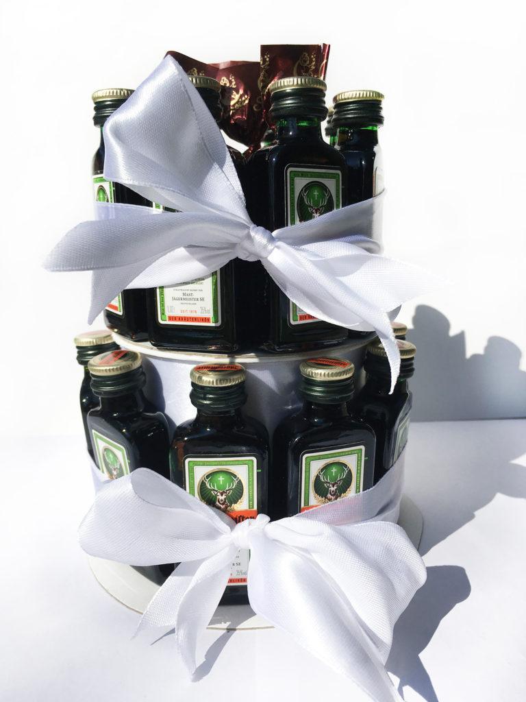 diy-jaegermeisterflaschen-torte-anleitung-fertig