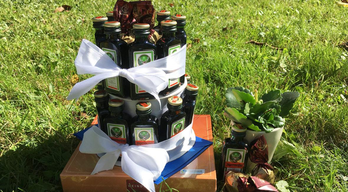 Diy Geschenkidee Torte Aus Jagermeisterflaschen Basteln