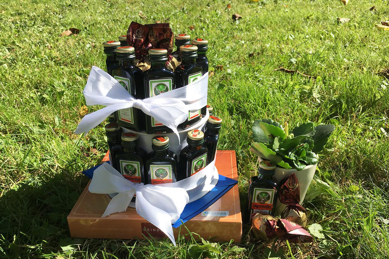 Diy Geschenkidee Torte Aus Jägermeisterflaschen Basteln