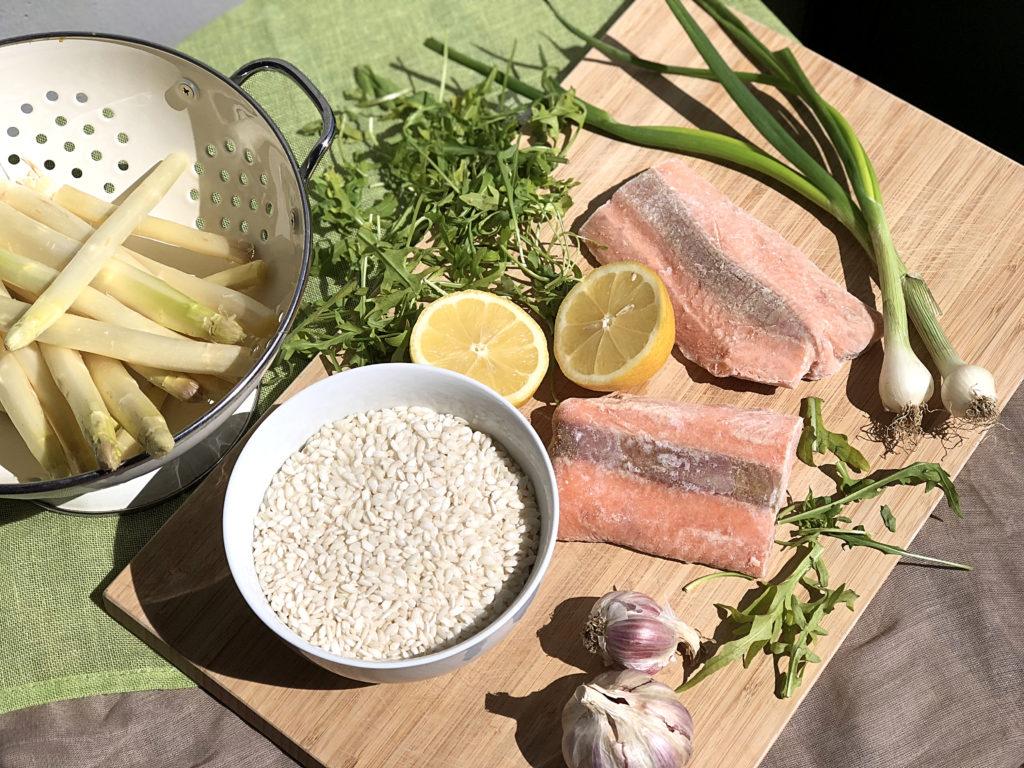 Gesundes-Risotto-Spargel-Lachs-zutaten