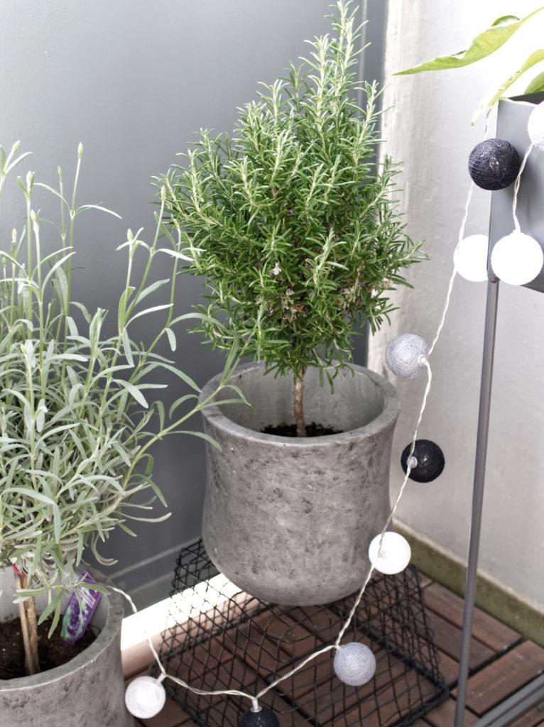 10-Tipps-kleinen-Balkon-einrichten-ecken-nutzen