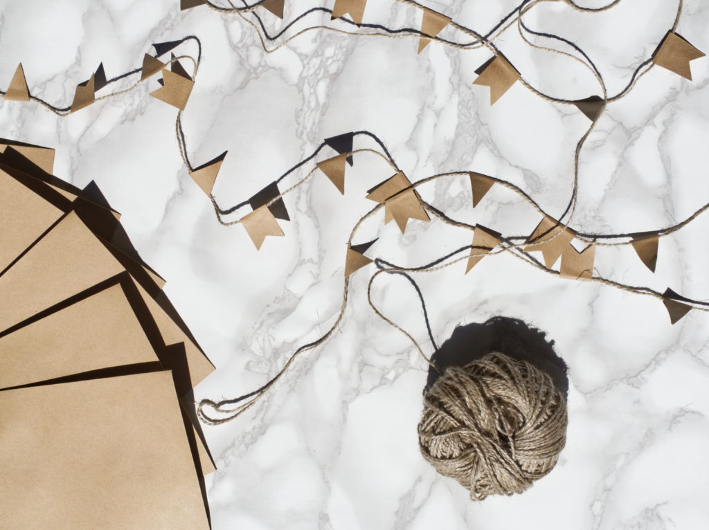 DIY-kreatives-geldgeschenk-hochzeit-heißluftballon-wimpelkette