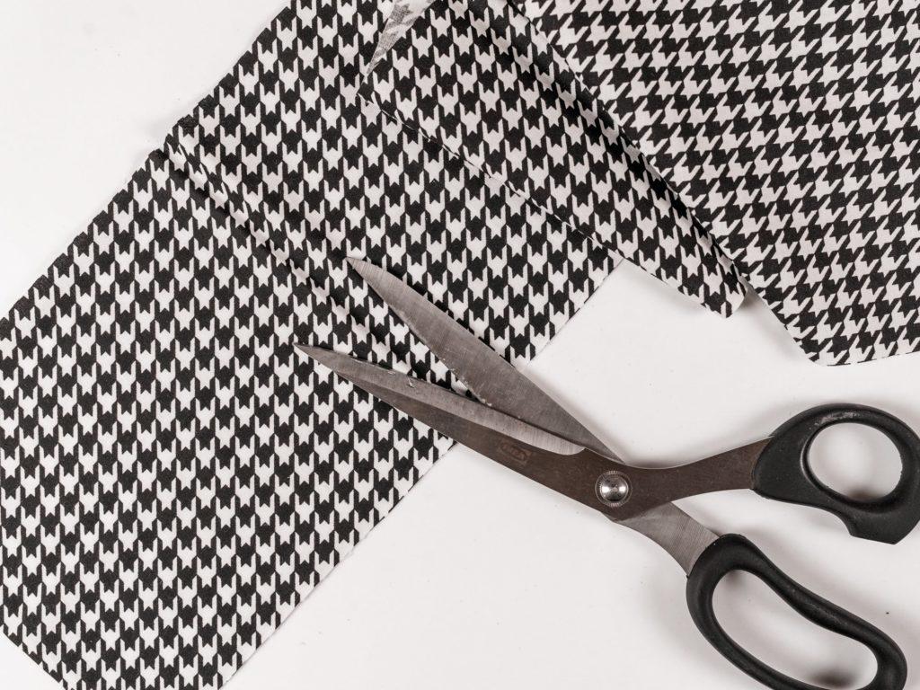 diy-haarband-stoff-zurechschneiden