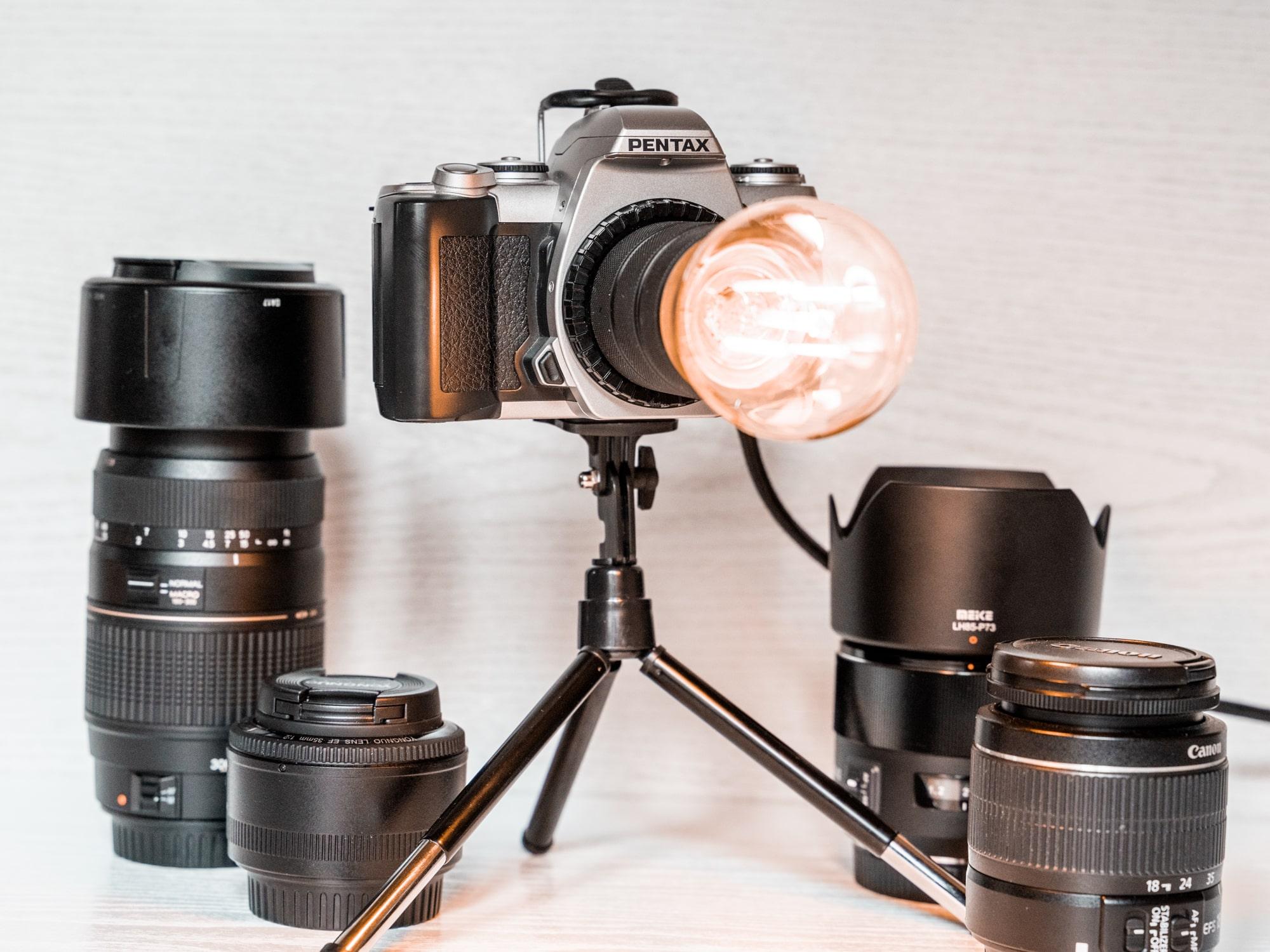 DIY Lampe aus alter Kamera basteln einfaches Upcycling Projekt