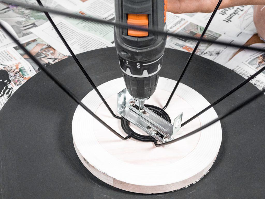 lampenschirm-festschrauben